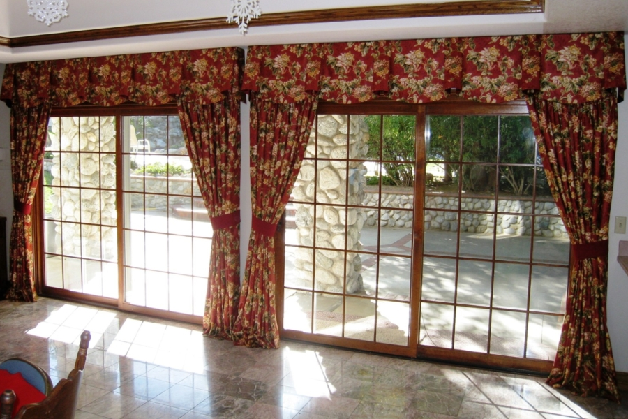 custom drapes and valances